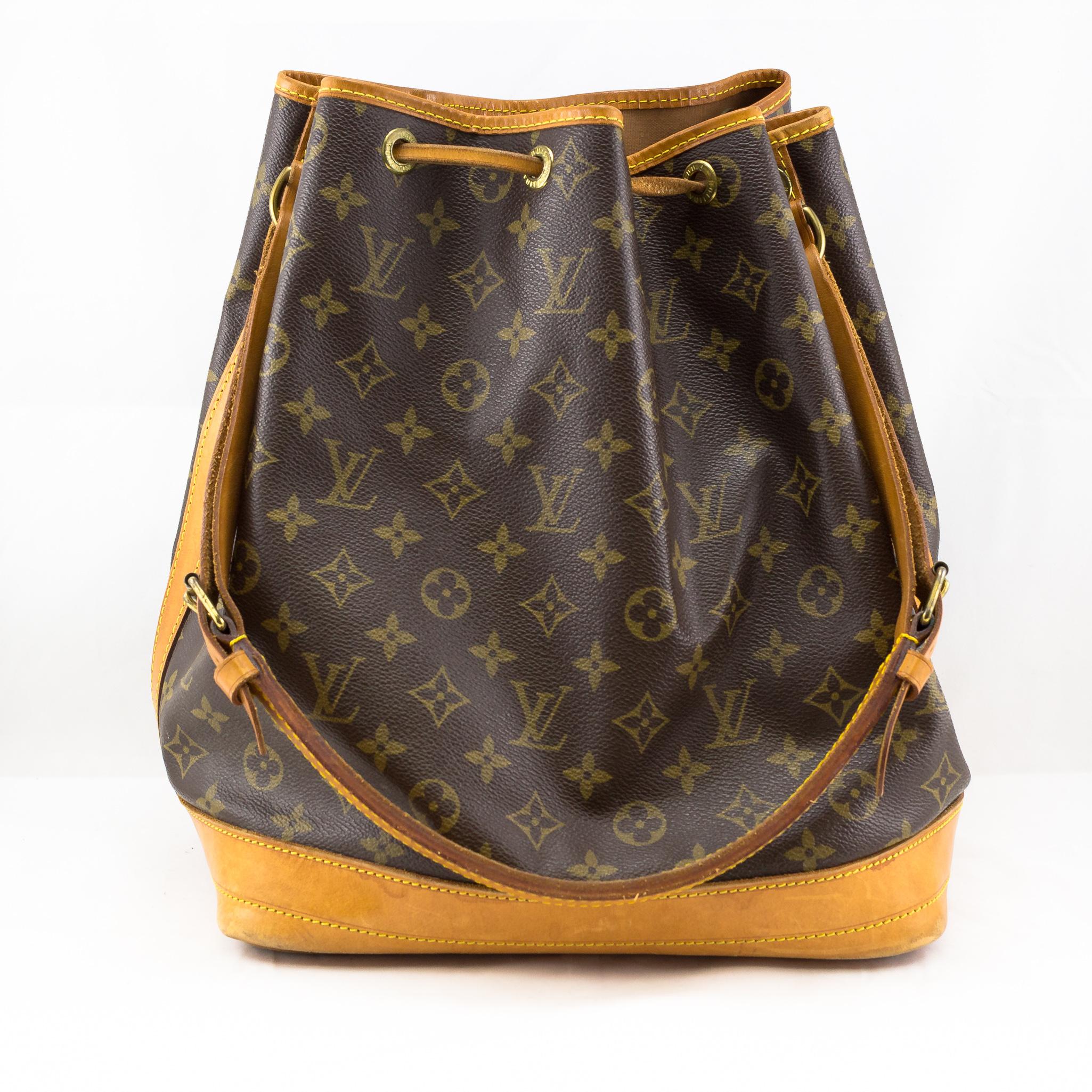 fd39344e67d8 LOUIS VUITTON Signature Monogram Draw String Shoulder Bag 100% Genuine