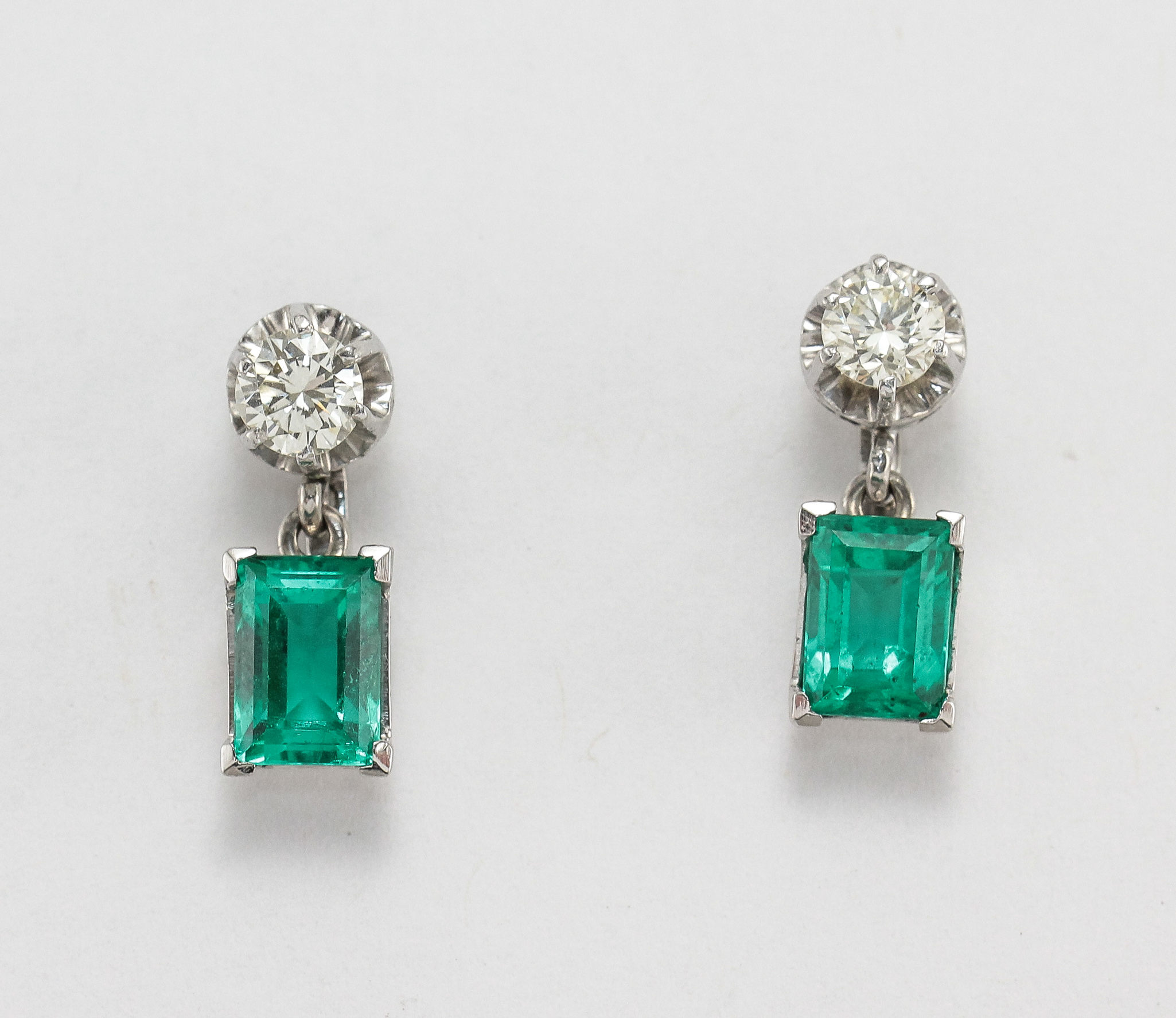 Details About 18k Emerald Diamond Earrings White Gold Dangle Drop